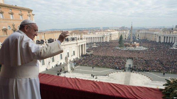 Сейчас курение среди сотрудников Ватикана весьма распространено.