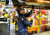 Ford оснастит сотрудников экзоскелетами