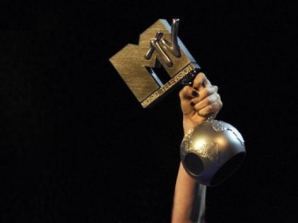 Победителей EMA определяют по итогам интернет-голосования на сайте премии