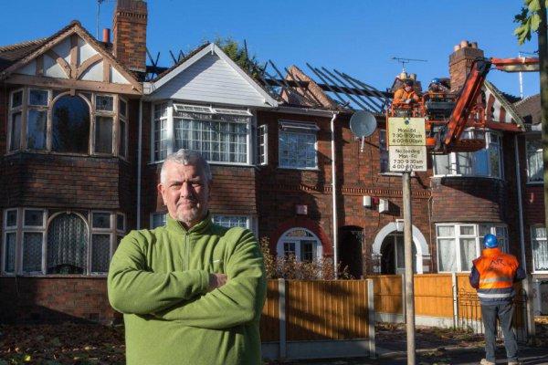 Сейчас Тони и Джеки ждут восстановления своего дома, чтобы вернуться в него вместе с собаками