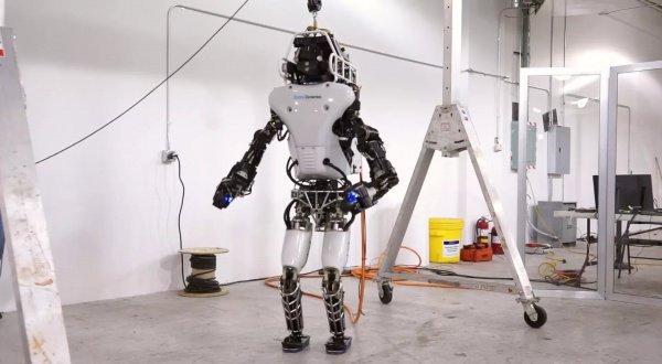 Штатская компания научила робота делать сальто