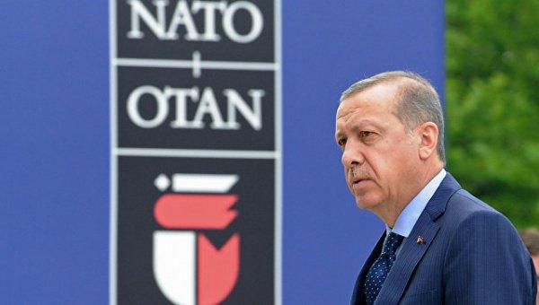 Президент Турции не принял извинений НАТО.