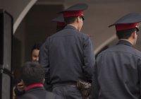 В Узбекистане полицейского будут судить за взятку в виде бутылки газировки