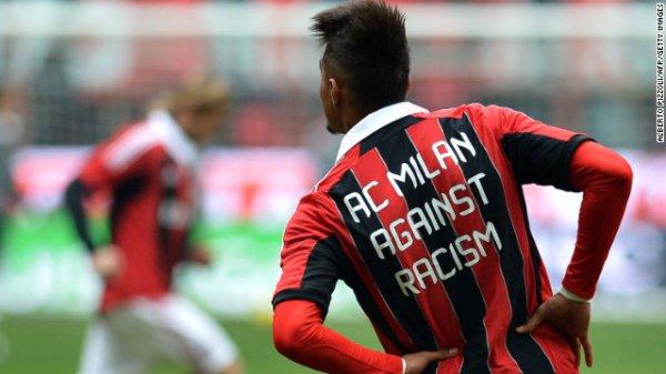 ФИФА продолжает борьбу с расизмом в футболе.