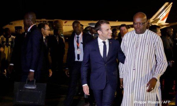 Эммануэль Макрон прибыл с официальным визитом в Буркина-Фасо.