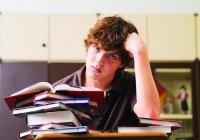 Ученые выяснили, что мешает подросткам готовиться к экзаменам