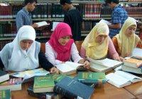 В Киргизии растет число мусульманок, желающих иметь религиозное образование
