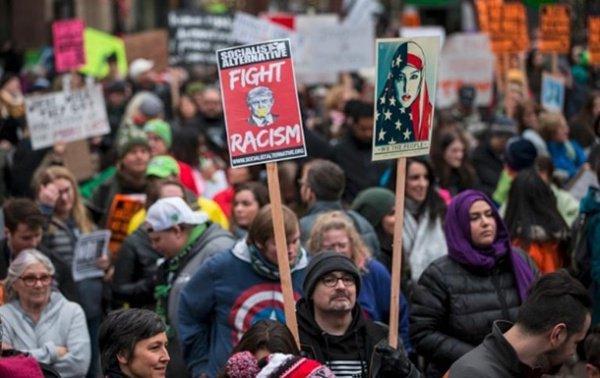 Отношение американцев к мусульманам улучшилось.