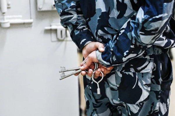 В частности, за публичное оправдание терроризма или публичные призывы к терроризму нарушителям грозит штраф в размере от 300 тыс до 1 млн рублей либо лешение свободы на срок от 5 до 7 лет