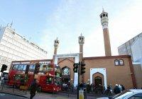 Глава исламского центра Лондона подарил христианам 4000 открыток