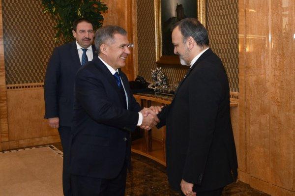 С Ираном сотрудничают такие республиканские предприятия, как «Татнефть», «КАМАЗ», «Казанский вертолетный завод»