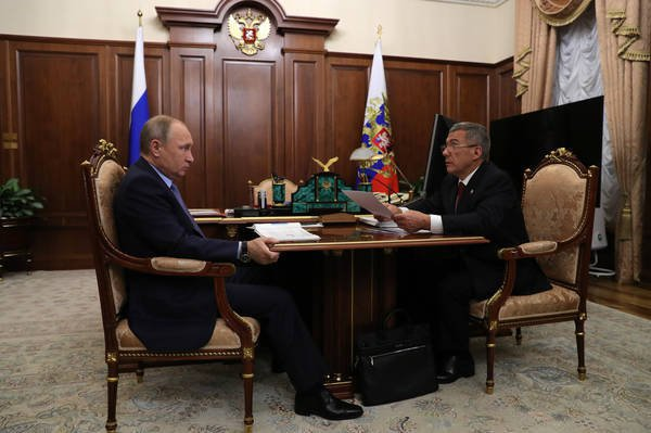Минниханов поведал Путину оработе попроблемам дольщиков ивкладчиков проблемных банков