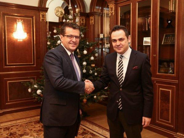 Дипломат Турхан Дильмач продолжит свою карьеру в Турции