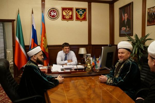Муфтий на встрече с главой Кукморского района.