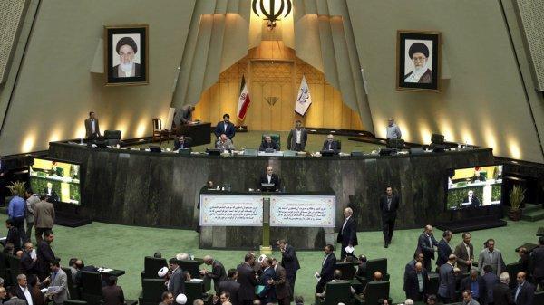 В парламенте Ирана решили поддержать палестинцев.