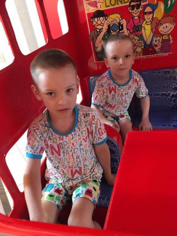 6-летние Тимур и Артур