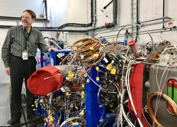 Планируется, что коммерческий сбыт таких моторов будет налажен благодаря спросу на запчасти для гражданской авиации