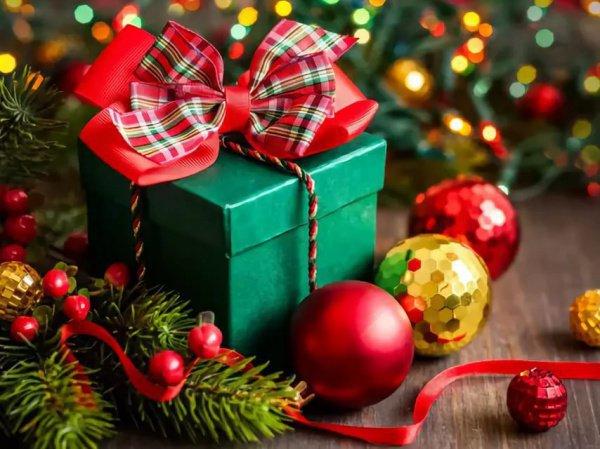 В соответствии с местной практикой, подарки вручаются с чеком