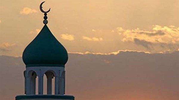 Вместимость мечети составляет 50 человек.