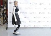 Робот София, получившая гражданство КСА, научилась ходить (Видео)