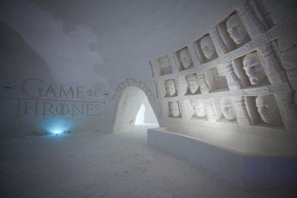 Температура воздуха внутри SnowVillage не превышает -5 градусов