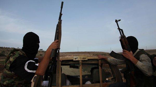 Боевики ИГИЛ продолжают спешно покидать Сирию и Ирак.