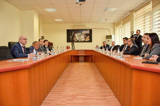 На встрече в Турции.
