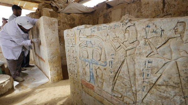 Масштабные раскопки продолжаются в Египте.