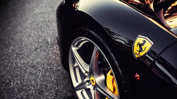 В новом индустриальном плане Ferrari заложено производство авто на гибридном двигателе