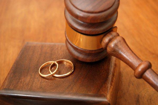 В Татарстане обеспокоены растущим числом разводов.