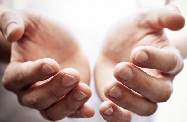 О Аллах, помоги нам благодарить Тебя