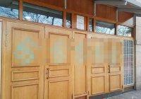 Двери мечети в Швеции разрисовали свастикой