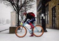 Сибиряк прокатился на велосипеде в 40-градусный мороз (ВИДЕО)
