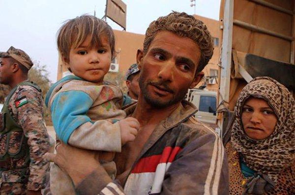 Среди погибших в сирийских провинциях Аль-Ракка, Алеппо, Аль-Хасака, Дейр Эззор и Идлиб 2815 мирных жителей