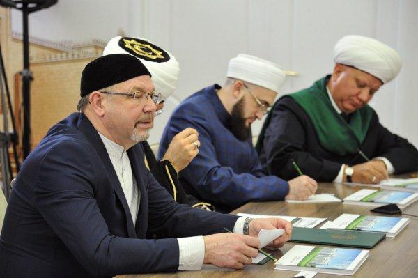 Камиль хазрат Самигуллин на встрече Путина с мусульманскими лидерами России.