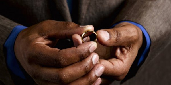 Супружескую измену хотят признать уголовно наказуемым преступлением.