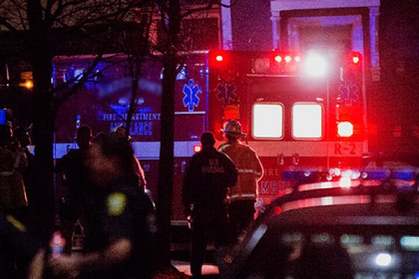 ВНью-Йорке лунатик упал с8-го этажа ивыжил