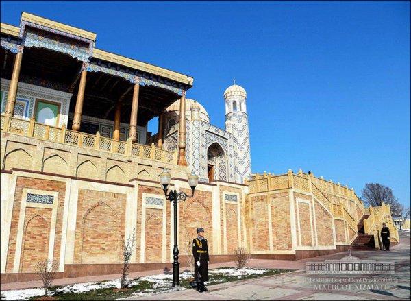 В Самарканде открыли мавзолей Ислама Каримова