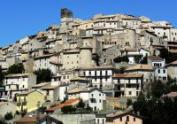 Итальянцы начали продавать дома за 1 евро