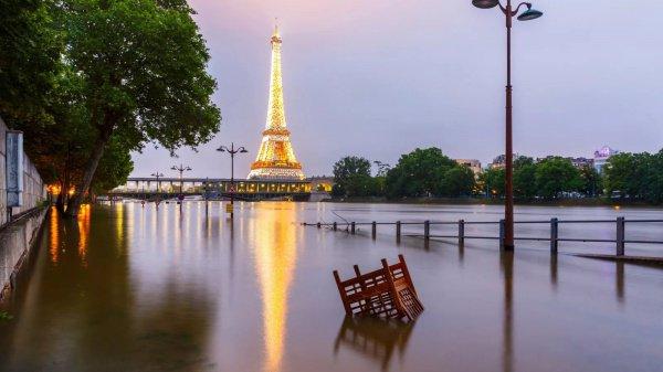 При этом отдельных жителей пригорода Рюэй-Мальмезон наводнение абсолютно не расстроило
