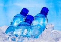 Психологи: Люди пьют бутилированную воду из-за страха смерти