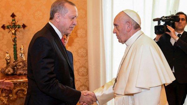 Эрдоган и Папа Римский на встрече в Ватикане.