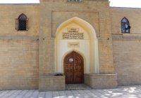 Рустам Минниханов посетил древнейшую мечеть России