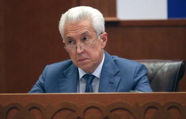 Владимир Васильев отправил в отставку правительство Дагестана.
