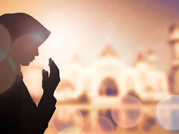 Если человек будет совершать деяния в соответствии с этими словами, награды этого человека от Аллаха будут высокими