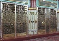 Посещение могилы Посланника Аллаха (с.г.в.): ваджиб или мустахаб?