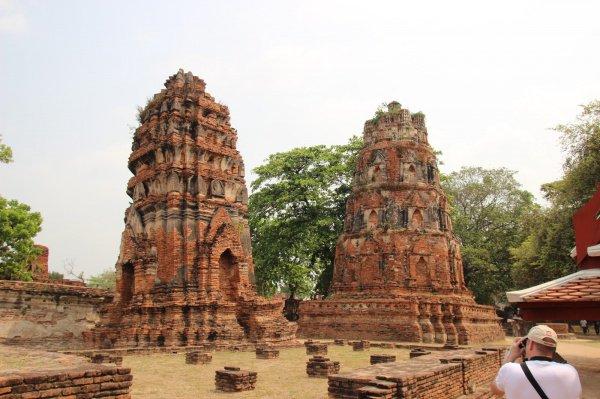 """Турист, уркавших кирпичи из древнего храма, не смог """"спокойно спать""""."""