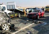 Во время тумана в ОАЭ столкнулись 44 автомобиля (Видео)