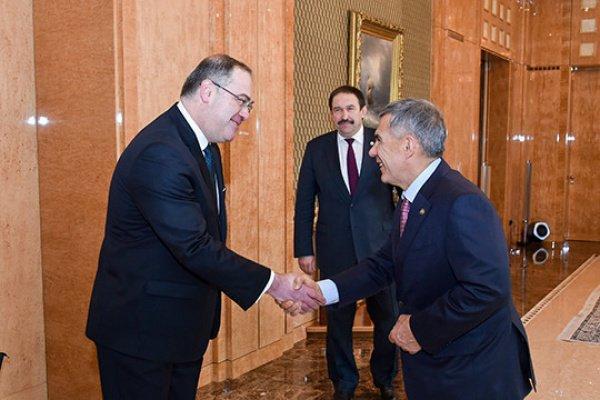 Минниханов и Доган на встрече в Доме правительства.