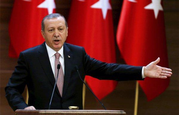 Эрдоган раскритиковал действия США в Сирии.
